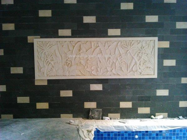 relief kolam renang