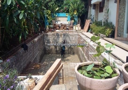 kolam renang Bapak Richard